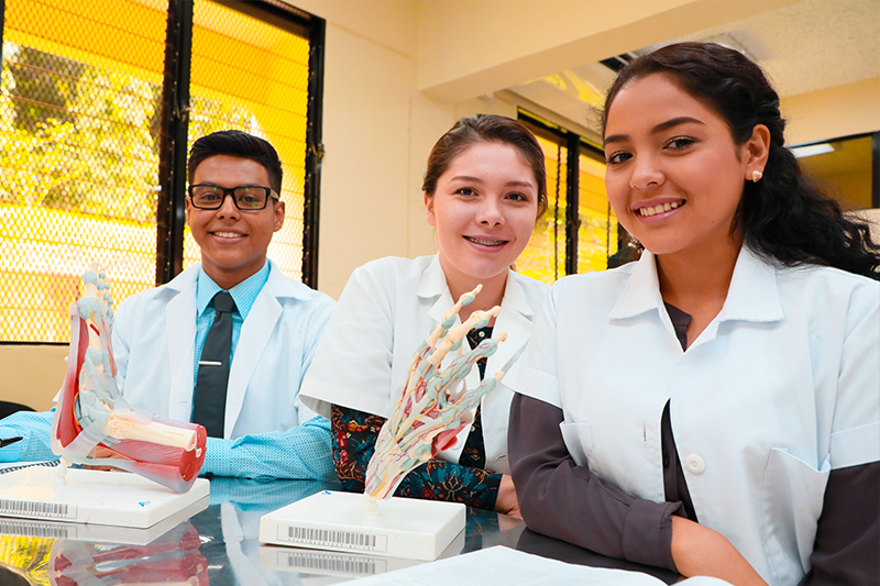 Oferta Academica - UNICAES - Ciencias de la Salud