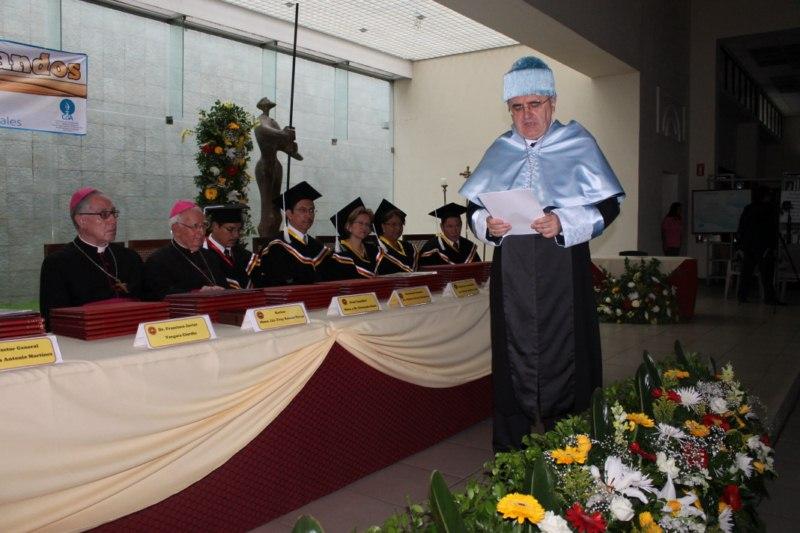 LA UNIVERSIDAD CATÓLICA DE EL SALVADOR HACE ENTREGA DE TÍTULOS DE DOCTORADO HONORIS CAUSA