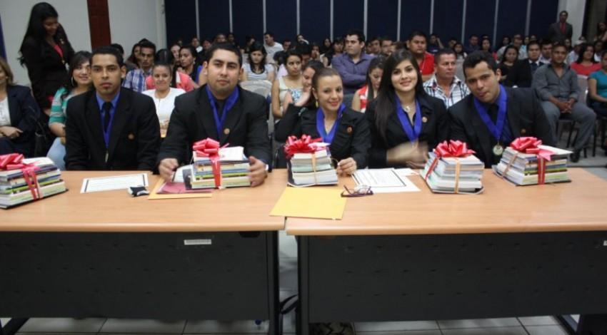 ESCUELA DE JURISPRUDENCIA Y CIENCIAS SOCIALES REALIZA X CONCURSO INTRAUNIVERSITARIO DE LITIGACIÓN ORAL