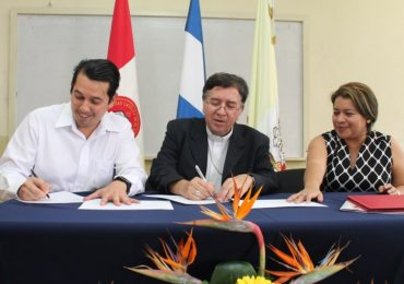 UNICAES CELEBRA CONVENIO DE COOPERACIÓN CON SECTOR PRODUCTIVO DEL PAÍS