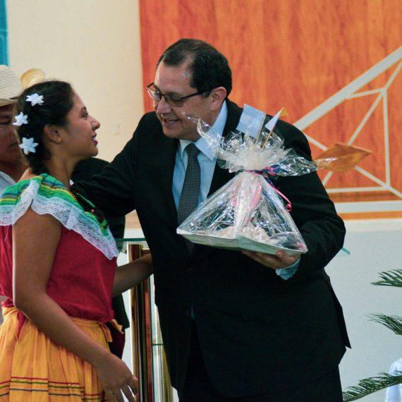 EMBAJADORES DE PANAMÁ Y COLOMBIA FORTALECEN VÍNCULOS DE COOPERACIÓN CON UNICAES CRI